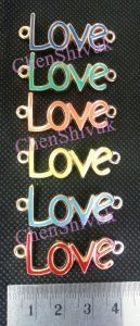 תליון כיתוב LOVE בצבעים