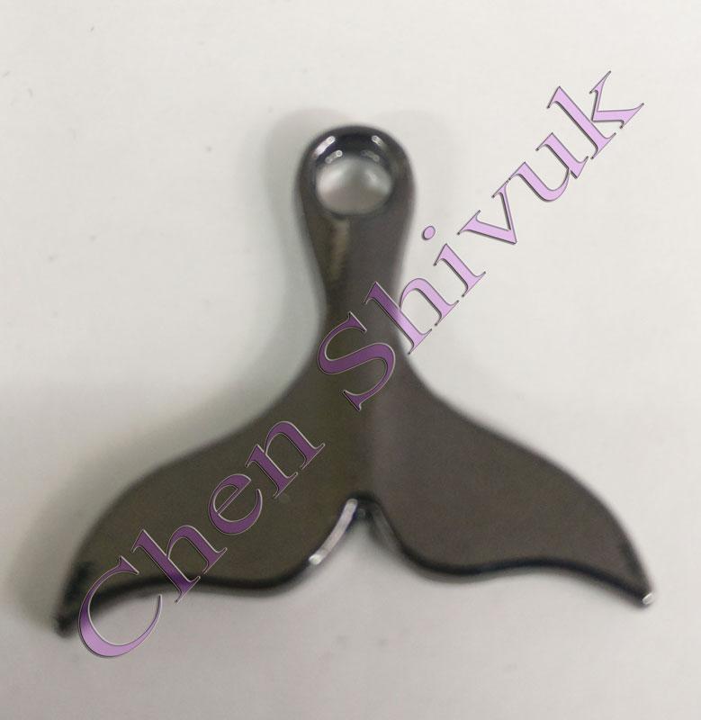 תליון-זנב-כריש-שחור